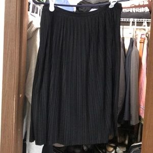 Mossimo pleated skirt